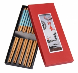 Dřevěné hůlky v dárkové krabičce modře zdobené