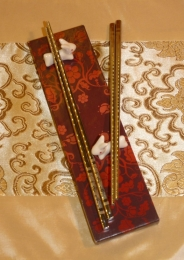 jídelní hůlky s draky pro dva s květinovým motivem krabičky